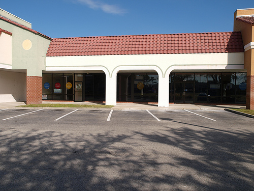 empty-strip-mall